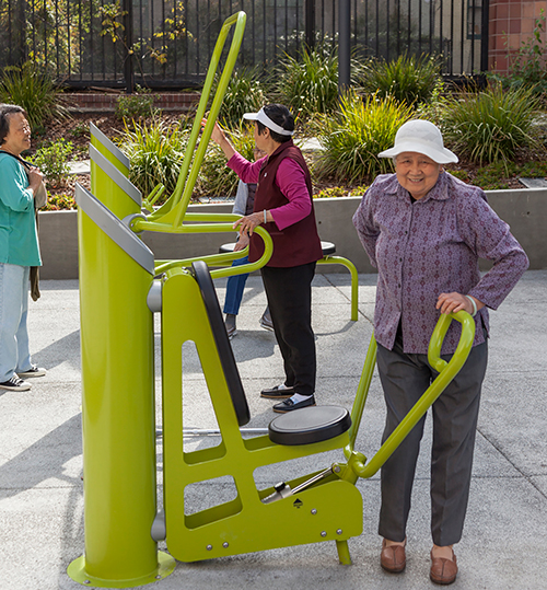 seniors exercising in boedekker park